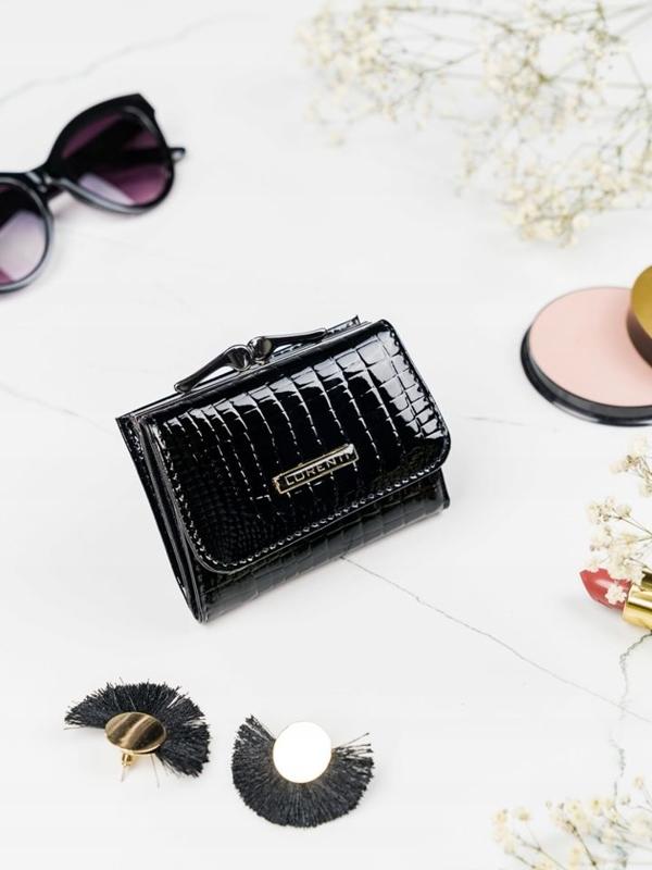 Čierna dámska kožená peňaženka 2104
