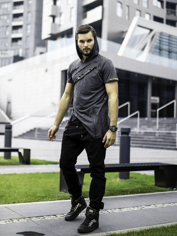 Stylizace č.283 - hodinky, tričko s kapicí, jogger, kecky