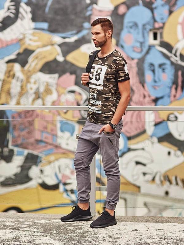 Stylizace č. 288 - hodinky, tričko s potiskem, kalhoty jogger