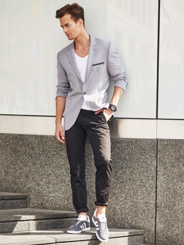 Stylizace č. 304 - hodinky, elegantní sako, tričko bez potisku, chino kalhoty