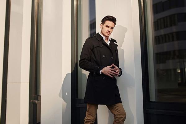 Štylizácia č. 440 - plášť, elegantná košeľa, chinos nohavice